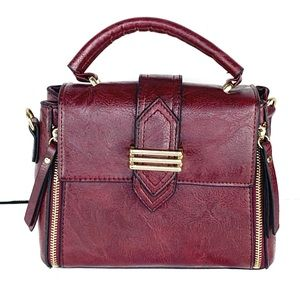 NEW-Faux Leather GoldAccents Quality crossbody bag